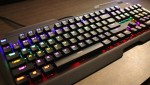 青軸採用で打鍵感が気持ち良い。暗闇で光るLEDバックライト付き『Patechメカニカルゲーミングキーボード』レビュー