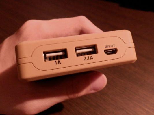 USBポート、Micro USBポート