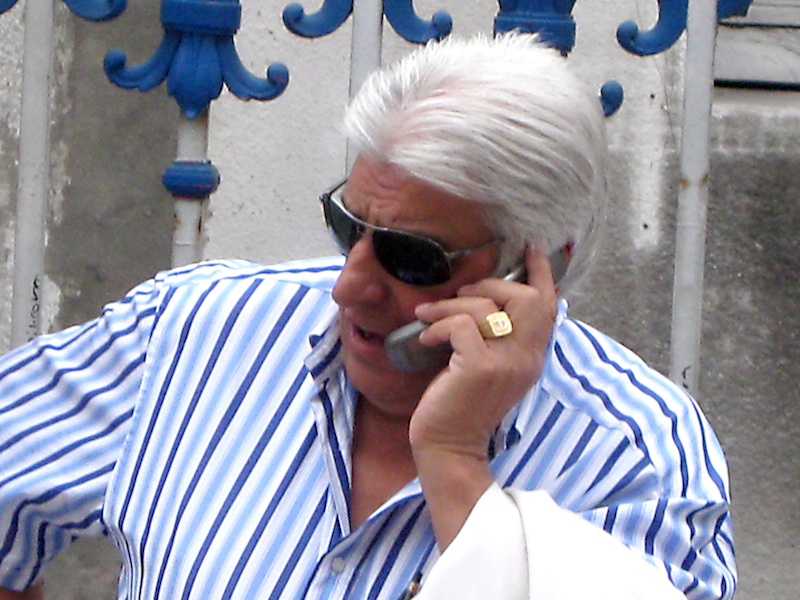 iPhoneのLINE通話で自分の声が相手に聞こえない?マイクの設定を見てみましょう