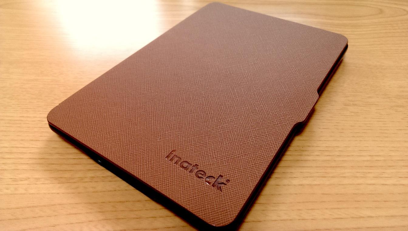これは本家を超えたかも?純正よりも薄くて軽い『Inateck Kindle Paperwhite用 Microfibril PU レザーケース』レビュー