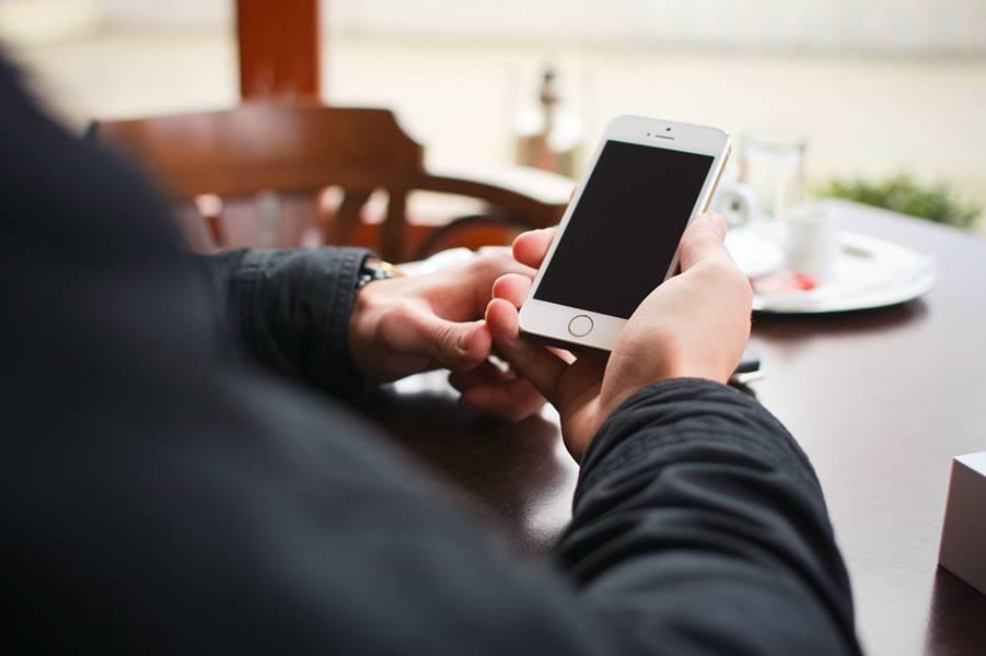 iPhoneでiTunes Matchの曲をWi-Fi接続環境以外でもストリーミング再生する方法
