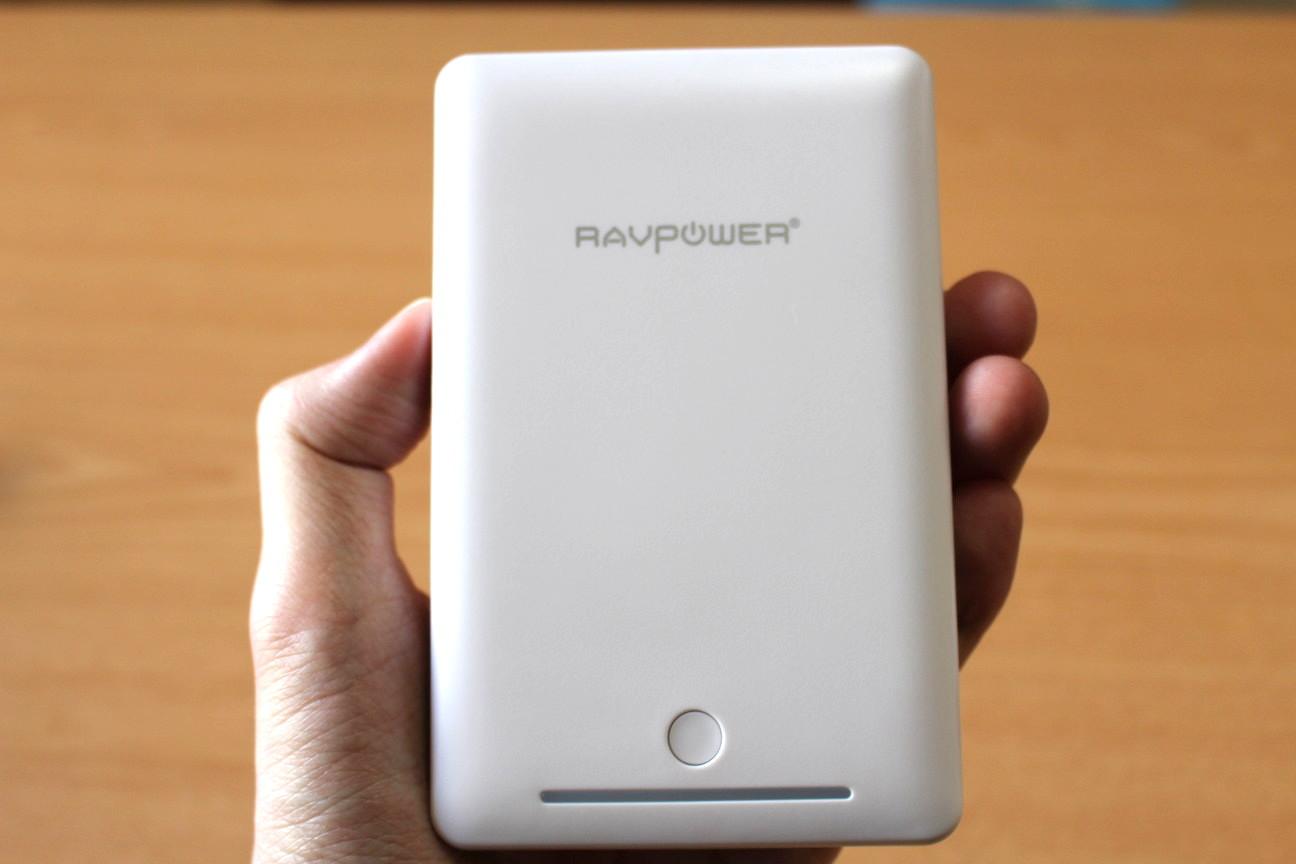 2台同時に急速充電が可能『RavPower Deluxe 15000mAh 大容量モバイルバッテリー』レビュー