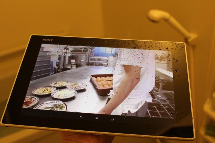 お風呂のお供に防水タブレット。Xperia Z2 TabletでBDレコーダーに録画した番組を見てみた