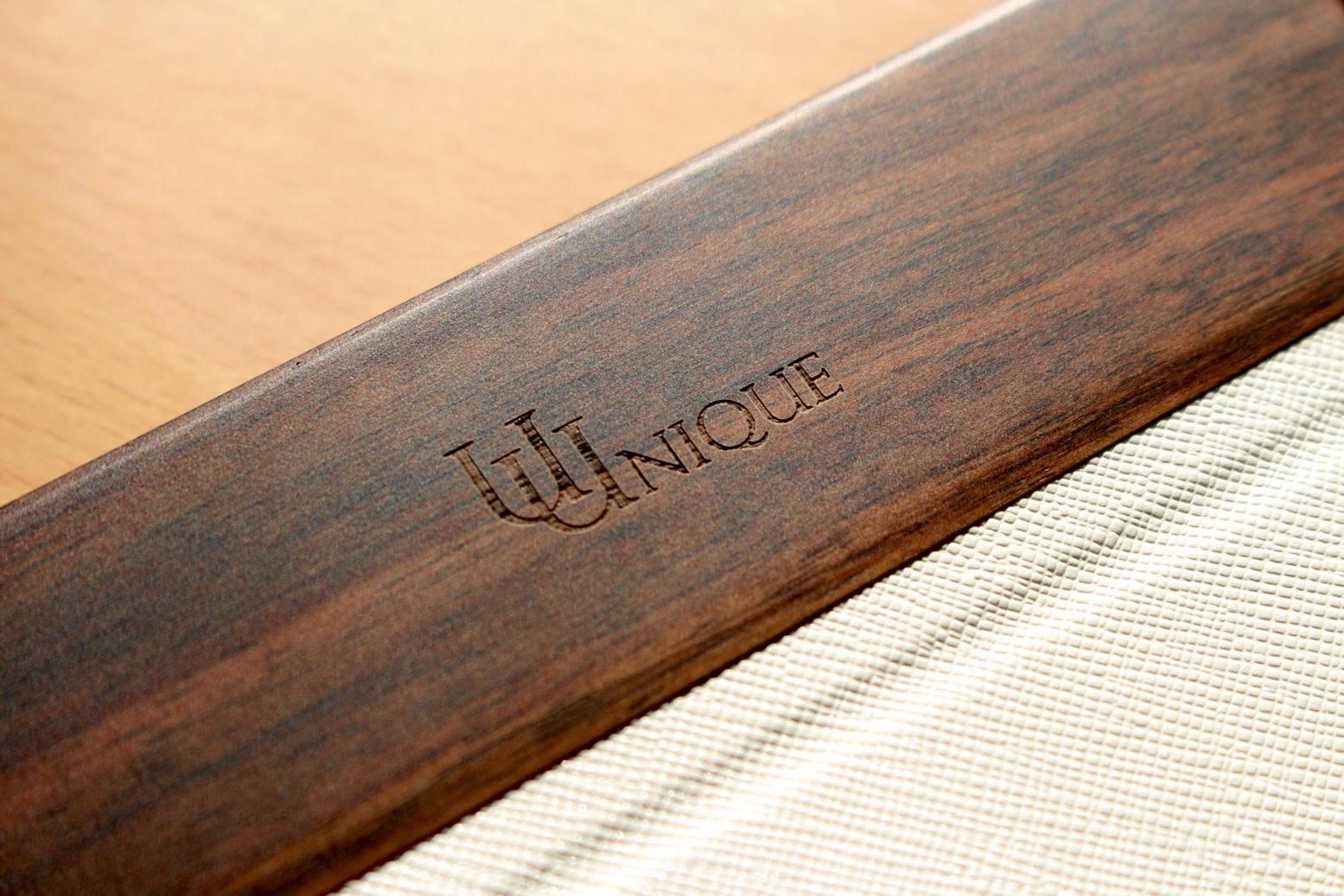 本物の木を採用した上質なデザインのiPhoneケース『UUNIQUE LONDON Wooden Case with Saffiano Texture』レビュー