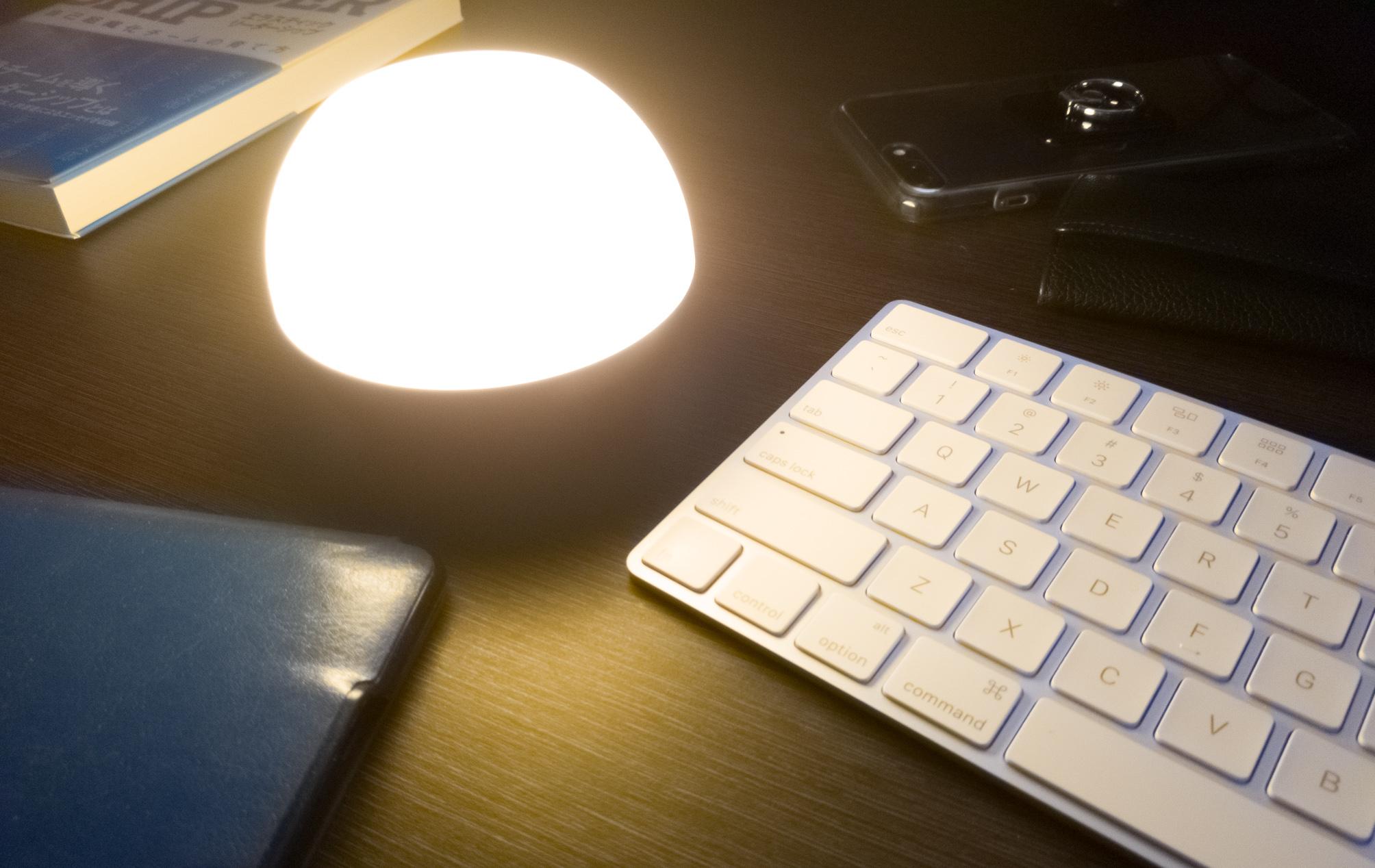 タッチセンサーで気分に合わせたカラーを演出。AUKEYナイトライト『LT-ST23』レビュー