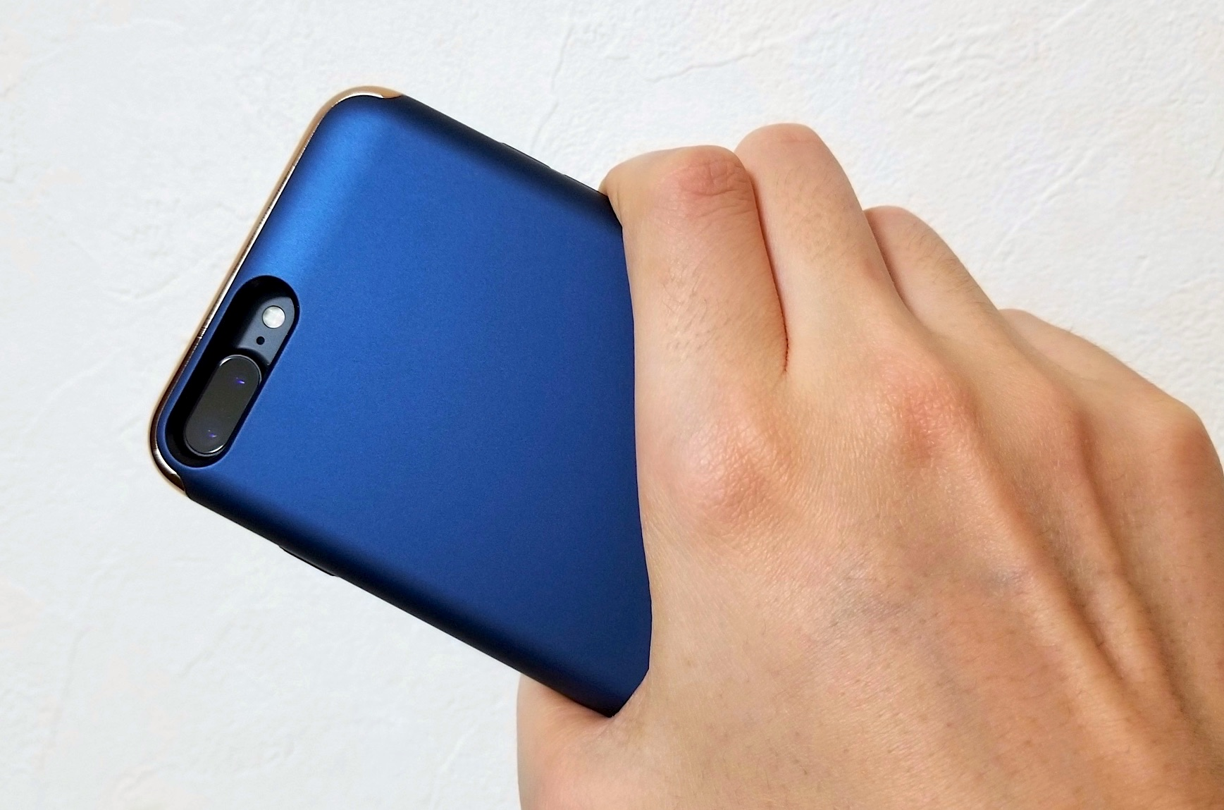モバイルバッテリーやケーブル不要で充電『KYOKA iPhone 7 Plus用バッテリー内蔵ケース』レビュー