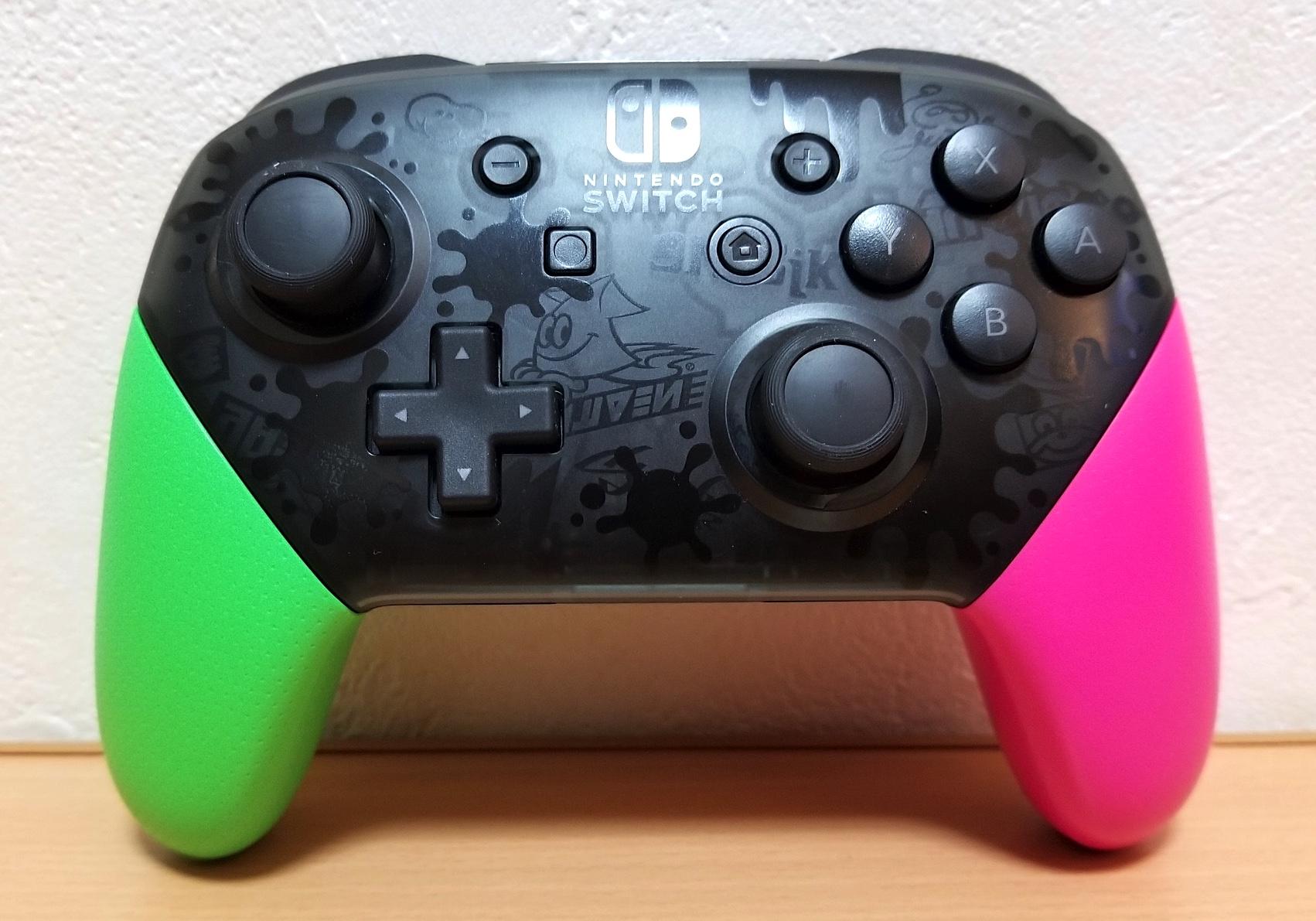 Nintendo Switch プロコン「スプラトゥーン2 エディション」購入。若干気持ちが高まるぞ!