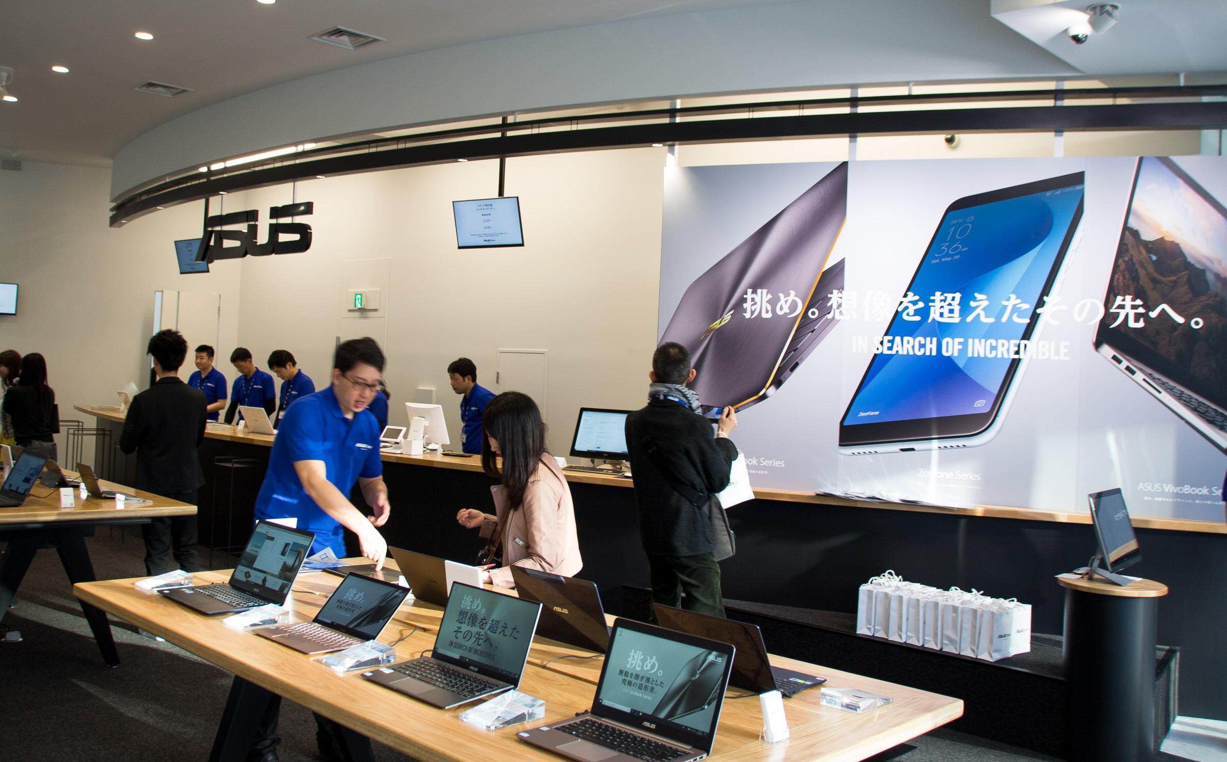 ASUS国内初の直営店舗「ASUS Store Akasaka」オープン。店内の様子をリポート