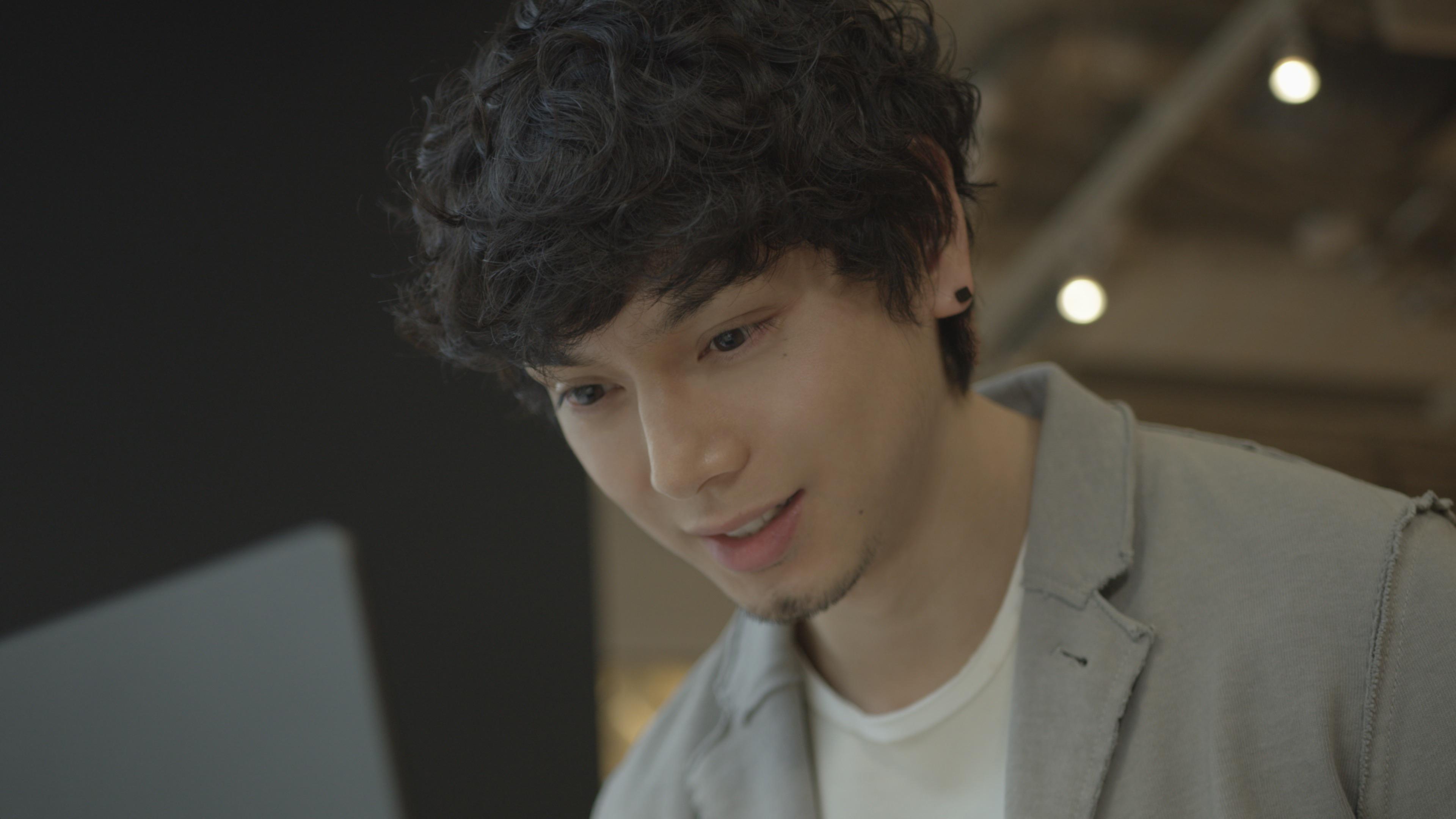 水嶋ヒロ、生き様や人生観を語る。ノートPC「LG gram」インタビュー動画公開